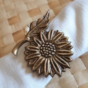 Rustic sunflower bronze napkin rings